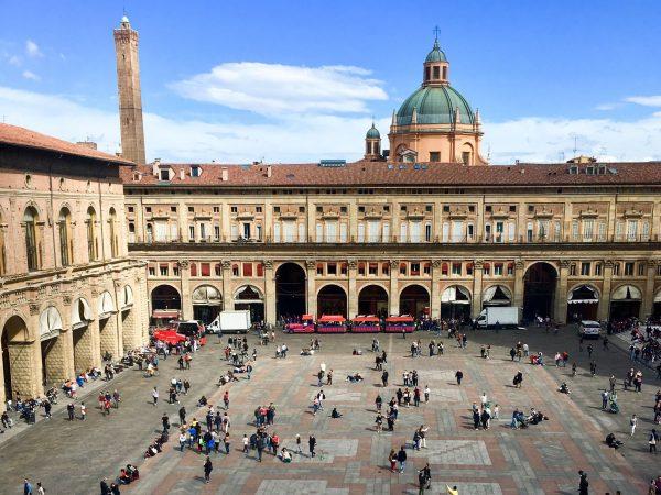 Viatge a Bolonya, Itàlia